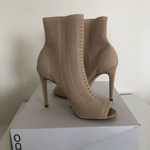 NWT ALDO KESHAA Bone Textile Knit Sock Boot Heels